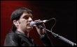 Brian Molko, chanteur du groupe Placebo, en concert le 4 juillet 2007 en Slovaquie. (© AFP - Samuel Kubani)