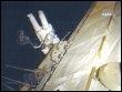 Image de la Nasa montrant l'astronaute Steve Swanson travaillant à l'exterieur de l'ISS, le 19 mars 2009 (© AFP/Nasa - Nasa Video)