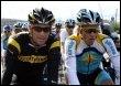 Lance Armstrong (G) et Alberto Contador de l'équipe Astana à Tenerife le 5 décembre 2008 (© AFP - Jaime Reina)