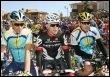 Les deux leaders de l'équipe Astana, l'Espagnol Alberto Contador (G) et l'Américain Lance Armstrong (D),  au départ de la 1re étape du Tour de Castille-et-Leon, lundi à Paredes de Nava. (© AFP - Jaime Reina)