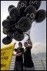 Des membres de Greenpeace manifestent le 6 avril 2008 à Hong Kong (© AFP/Archives - Mike Clarke)