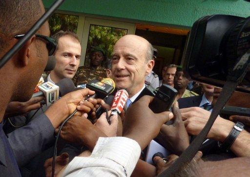 Alain Juppé le 10 janvier 2011 à Niamey au Niger (©  - Boureima Hama)