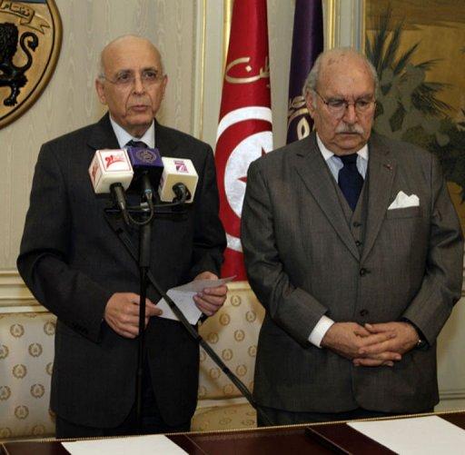 Photo de Mohammed Ghannouchi (G) avec le président du parlement Fouad Mbazaa,  diffusée le 14 janvier 2011 par l'agence TAP (© )