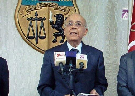 Photo de l'intervention télévisée du Premier ministre tunisien Mohammed Ghannouchi annonçant qu'il exerce l'intérim de la présidence, le 14 janvier 2011 (©  - Mladen Antonov)