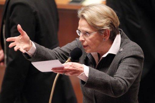 Michèle Alliot-Marie à l'Assemblée nationale le 11 janvier 2011 (©  - Pierre Verdy)
