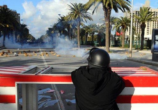 Violences le 14 janvier 2011 à Tunis (©  - Fethi Belaid)