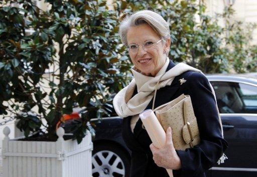 Michele Alliot-Marie à son arrivée le 17 janvier 2011 à Matignon à Paris (©  - Patrick Kovarik)