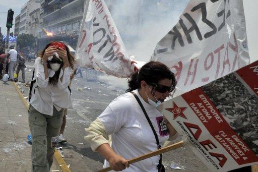Lors d'une manifestation devant le parlement à Athènes le 29 juin 2011 (©  - Louisa Gouliamaki)