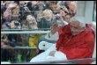 """Benoît XVI acclamé par la foule des fidèles à l'issue de la messe en plein air à Lourdes</HeadLine></NewsLines><AdministrativeMetadata><Provider><Party FormalName=""""AFP""""/></Provider><Creator><Party FormalName=""""Eric Cabanis""""/></Creator></AdministrativeMetad"""