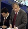 Jose Manuel Barroso et Olli Rehn le 16 mai 2006 à Strasbourg (© AFP/Archives - Gérard Cerles)